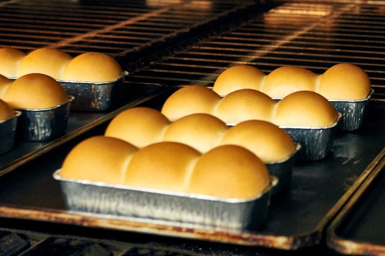 パンをつくる、食卓を彩る。